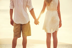 Couple holding hands in Healthy Relationship